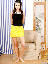 Horny bente ready to take off her yellow skirt check out her perky ass